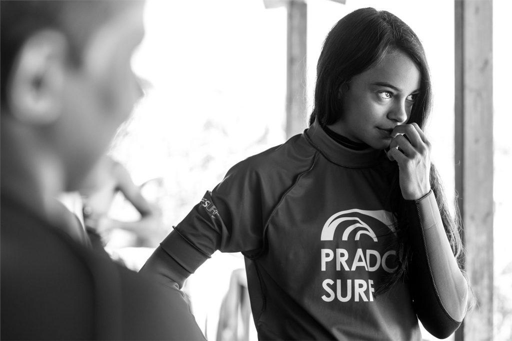 Reportaje fotográfico chica surf Prado Vigo
